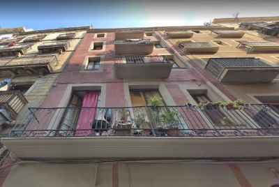 Building for sale located in the heart of Raval, one of the most attractive neighborhoods of the city.
